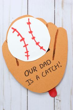 """This adorable Baseball Glove Father's Day Card is perfect kid-made keepsake for the sports-loving dad! Click """"Read It"""" for FREE printable pattern to make it"""