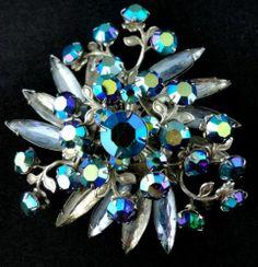 Brooch Floral Aurora Borealis Rhinestone Swirl Blue Silver Tone Pin unsigned