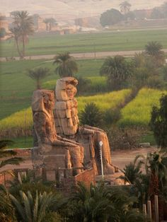 Colossi of Memnon- Holidays in Egypt http://www.maydoumtravel.com/Egypt-Travel-and-Tour-Packages/4/0/