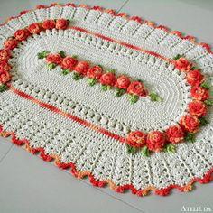 Tapete Kate Crochet Table Runner, Crochet Tablecloth, Crochet Doilies, Crochet Flowers, Free Crochet, Crochet Hats, Birthday Wishes For Son, Knitting Patterns, Crochet Patterns