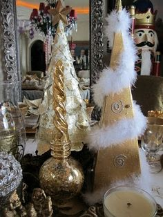 Purple Chocolat Home: Christmas Eve Tablescape - A Night to Remember Gold, Frankincense & Myrrh