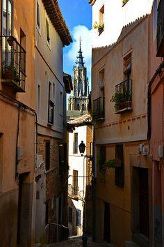 Caminando en medio del pasado, Toledo, España