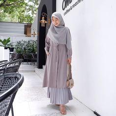 Modest Fashion Hijab, Modern Hijab Fashion, Hijab Fashion Inspiration, Mode Abaya, Mode Hijab, Dress Muslim Modern, Girls Fashion Clothes, Fashion Outfits, Moslem Fashion