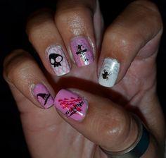 #Halloween #nailart #stamping #bundlemonster