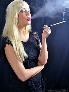 Blonde bbw smokes