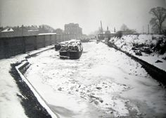 "Caption"" Asylum Dock: the frozen Canal at Hanwell during the winter of 1962-63"" #london #canal #barge #grand #union #asylum #dock #hanwell #lock #middlesex #snow #frozen"