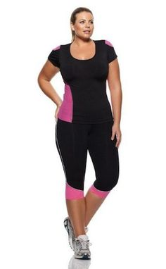 Womens plus size activewear comes in different materials and styles regarding the kind of physical activity that you do. The best ones for you that make you feel comfortable, fresh and provides you with excellent mobility and flexibility so you can do the maximum of your workout sections.