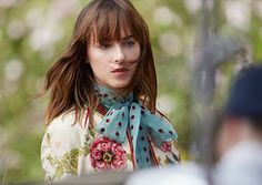 New BTS Picture + Interview of Dakota about Gucci Bloom with Flair Magazine [Germany] dakotajohnsonlife.blogspot.cl/2017/09/new-bt…