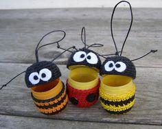 Halager: Flere kinderægs-hæklerier og opskrift nu på dansk... Diy Crochet And Knitting, Crochet Home, Crochet Gifts, Amigurumi Patterns, Crochet Patterns, Crafts For Kids, Diy Crafts, Minion Party, Crochet Animals