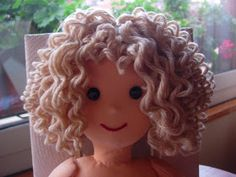 Doll Hair Tutorial (Bilbo Edition) I finally got around to doing a doll hair tutorial. I know the title says Bilbo Edition, but if you have never attached yarn to a doll as hair before, this would be. Amigurumi Curly Hair Tutorial - Step by Step 160 best Crochet Doll Tutorial, Crochet Dolls, Crochet Hair, Doll Wigs, Doll Hair, Doll Crafts, Diy Doll, Doll Patterns, Doll Clothes Patterns