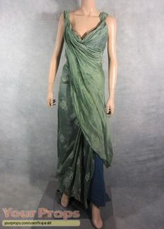 Spartacus: Gods of the Arena, Gaia's EP1 gown