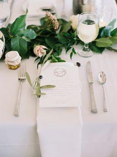 Organic + elegant table decor: http://www.stylemepretty.com/2016/03/14/organic-style-wedding-in-sacramento/   Photography: Mariel Hannah - http://www.marielhannahphoto.com/