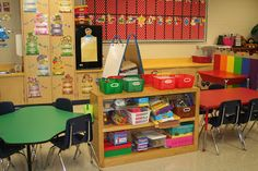 Below is are pictures of our classroom. Lots of learning will take place as your child walks through the door as well as tons of fun! Kindergarten Classroom Organization, Kindergarten Science, Classroom Crafts, Classroom Ideas, Classroom Management Styles, Index Card Holders, School 2013, School Ideas, English Classroom