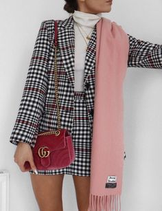 Stunning Winter Outfits You Should Already Own 35 Great plaid skirt 30 Pretty Spring Outfits For Cool Evenings Work 45 Lovey Fall Outfits To Shop This Moment / 26 Popular Fall Outfits To Update Your Wardrobe fall style outfits ideas to winter fashion 2019 Fashion Mode, Look Fashion, Korean Fashion, Smart Casual Fashion Women, Womens Fashion, Plaid Fashion, Blazer Fashion, Classy Fashion, 90s Fashion