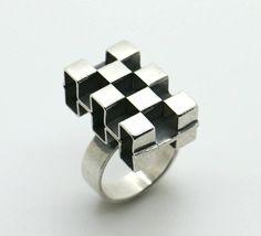 Elis Kauppi for Kupittaan Kulta (FI), vintage modernist cubism style sterling silver dimensional ring, 1970s. #finland | finlandjewelry.com
