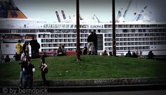 Europa2 #hh #stpauli #hamburgerhafen #europa2 #kreuzfahrtschiff #geziparkfiction http://sanktpaulistreetphotography.jimdo.com