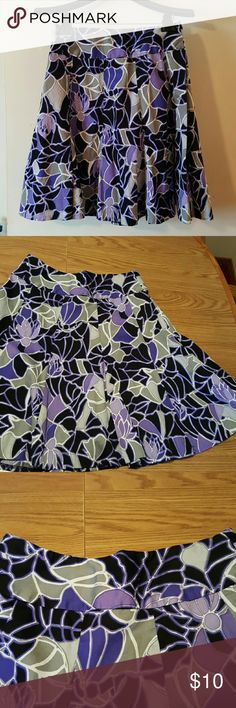 Gorgeous Swing Skirt Gorgeous Swing Skirt.....Size 8... 21 Inches long 14 Inches Waist With Hidden Side Zipper.  100% Cotton Skirts Midi