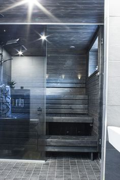 Dark sauna with plenty of glass Bathroom Spa, Bathroom Colors, Sauna Wellness, Portable Sauna, Sauna Design, Finnish Sauna, Sauna Room, Spa Rooms, Saunas
