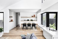 Armadale House by Tom Robertson Architects Interior Architecture, Interior Design, Interior Colors, Interior Styling, Timber Flooring, Traditional House, Apartment Living, Home Decor Accessories, Cheap Home Decor