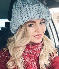42 отметок «Нравится», 1 комментариев — 🌿 СТИЛЬНЫЕ ШАПКИ 🌿 КАРДИГАНЫ 🌿 (@liliyacrown) в Instagram: «Привет дорогие!😍☀ Шапка крупной вязки Ручной Работы👌💝 100% Перуанская шерсть, мягкая и очень…»