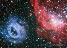 大マゼラン雲(Large Magellanic Cloud)内にある星形成領域の詳細写真。写真右は「NGC 2014」、左が「NGC 2020」。(c)AFP/EUROPEAN SOUTHERN OBSERVATORY ▼25Jan2014AFP 【特集】「猫の手星雲」に「魔女星雲」…神秘の天体ショー http://www.afpbb.com/articles/-/3007009 #NGC_2014 #NGC_2020