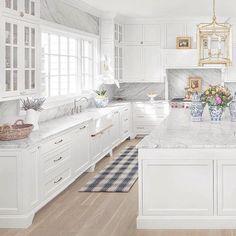 Classic Colonial Home Design Home Bunch Interior Design Ideas White Kitchen Cabinets Bunch Classic Colonial Design Home Ideas Interior Home Design, Luxury Interior Design, Interior Design Kitchen, Design Ideas, Classic Interior, Design Styles, Floor Design, Design Design, Decor Styles