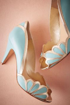 These beautiful vintage blue high heels are both handmade and handsome. With their gorgeous Art Deco / Art Nouveau scallop detail