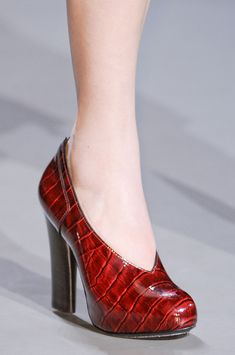 Marc by Marc Jacobs at New York Fashion Week Fall 2013 - Details Runway Photos Red Shoes, Me Too Shoes, Shoes Heels, Pumps, Formal Shoes, Casual Shoes, Shoes World, Unique Shoes, Shoe Art