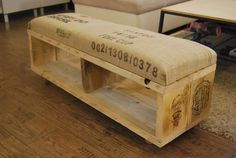 Ławka - pufa tapicerowana workiem po kawie - sielskiewzgorze - Kanapy i fotele