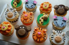 Cupcakes are muffins that believed in miracles. Jungle Theme Cupcakes, Jungle Cupcakes, Jungle Cake, Themed Cupcakes, Zoo Animal Cakes, Animal Cupcakes, Fondant Toppers, Fondant Cupcakes, Baby Shower Cupcakes For Boy