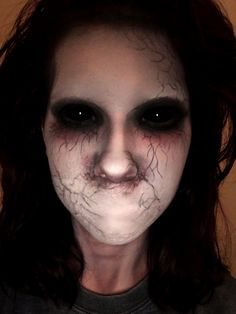 On days when I feel like no one hear me.The voices become my FAMILY! Hehehe - Halloween Make-up - Creepy Halloween Makeup, Amazing Halloween Makeup, Creepy Makeup, Zombie Makeup, Clown Makeup, Halloween Looks, Makeup Art, Demon Makeup, Creepy Costumes