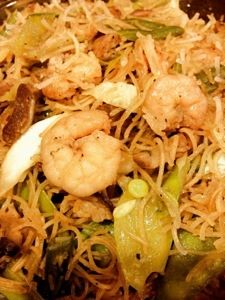 Pancit Bihon recipe~ Filipino Food!