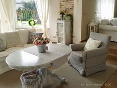 We love shabby.BLOG: Delicate changes
