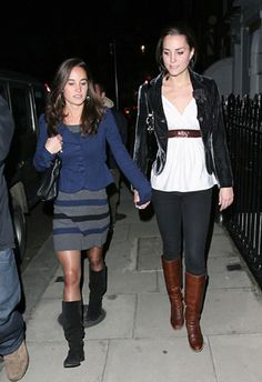 Pippa and Kate. Love this picture for Pippa and Kate Middleton. Carole Middleton, Middleton Family, Princess Kate Middleton, Kate Middleton Photos, Duchess Kate, Duchess Of Cambridge, Royal Fashion, Star Fashion, Queen And Prince Phillip