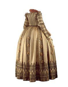 """Ceremonial dress of Magdalena Sibylla of Prussia, Electress of Saxony ca. 1610-20 From the exhibition """"Schätze einer Fürstenehe"""" at the Staatliche Kunstsammlungen Dresden"""