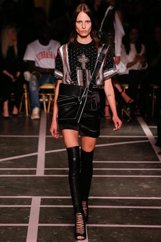 Givenchy Spring 2015 Ready-to-Wear Collection Photos - Vogue