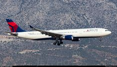 Photo of - Airbus - Delta Air Lines Boeing 747 200, Air Lines, Flight Deck, Photo Online, Aircraft, Aviation, Planes, Airplane, Airplanes