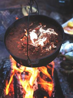Chilli con Jamie (with chunks of beef-like stew beef, coffee!, cinnamon sticks, etc.