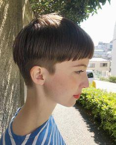 小西 敬二郎さんはInstagramを利用しています:「横からも綺麗にがショートの鉄則💫 前からよりも、横から後ろから見られて綺麗って言ってもらえるように気を使ってカットしてます✂︎ 自分ではセットしにくいからこそ大切なポイント✨ ショートにしたい方は是非一度お任せ下さい💫 #ショート #ショートヘアー #shorthair…」 Short Hair Cuts, Short Hair Styles, Bowl Haircuts, Hair Today Gone Tomorrow, Clipper Cut, Bowl Cut, Pixie Hairstyles, Hair Inspo, Just In Case