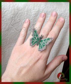 Photos of Marina Shamshura - Bead idea Beaded Rings, Beaded Jewelry, Beaded Bracelets, Loom Beading, Beading Patterns, Bead Crafts, Jewelry Crafts, Beaded Animals, Beaded Ornaments