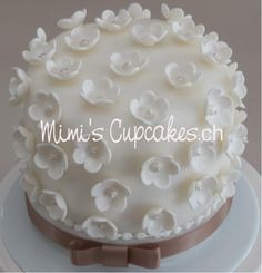 Mimis Cupcakes Fest-Torte oder kleine Hochzeitstorte