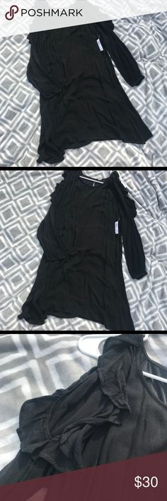 Long Sleeve Dress NWT. New with tags.  Only ever tried on once.   - Solid black.  - Long sleeve.  - Cold/open shoulder with ruffle detail (pictured).  - Keyhole opening on back.  - Longer in length but not full length.  - Size large. Old Navy Dresses Midi