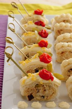 Party Finger Foods, Finger Food Appetizers, Appetizer Recipes, Snack Recipes, Yummy Snacks, Yummy Food, Appetizer Sandwiches, Spanish Tapas, Tapas Bar
