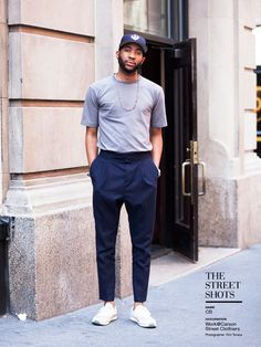 Do - Tuck your tee in and pair with dress pants. Casual Wear For Men, Sport Casual, Sport Fashion, Mens Fashion, Suit And Tie, Fashion Books, Sport Outfits, Street Wear, Menswear
