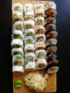 Sushibar + Wine in Töölö is where you get to enjoy your sushi with a Finnish twist. And in the summer, outside :) Healthy Snacks, Healthy Eating, Healthy Recipes, Gimbap Recipe, Green Melon, Vegetarian Cheese, Cottage Cheese, Gourmet Recipes, Food Print