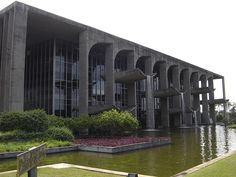 Brasilia PalaciodaJustica1 - Roberto Burle Marx - Wikipedia, la enciclopedia libre