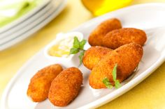 ham and cheese croquettes typical Spanish cuisine stock photography Chorizo Recipes, Cuban Recipes, Vegetarian Recipes, Freezer Cooking, Cooking Recipes, Finger Foods For Kids, Pernil, Chicken Apple Sausage, Snacks