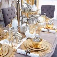 Of all the fabulous Thanksgiving tabletop setting I saw, Khloe Kardashian's table was my absolute favorite. First of all, that dining table + chair combo is Christmas Table Settings, Christmas Tablescapes, Holiday Tables, Christmas Decorations, Luxury Christmas Decor, Thanksgiving Decorations, Christmas Lights, Fall Table, Thanksgiving Table