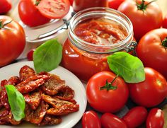 Pesto di pomodori secchi #ricettedisardegna #recipe #sardinia Sardinia, Pizza, Salsa, Canning, Vegetables, Food, Tomatoes, Natural, Marmalade
