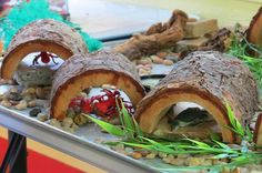 Nature table- the logs provide hiding places for surprises! Outdoor Learning, Outdoor Play, Outdoor Activities, Outdoor Spaces, Play Based Learning, Learning Through Play, Role Play Areas, Block Play, Sand Play